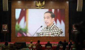 Presiden Joko Widodo (Jokowi) menyebut DPD RI merupakan lambang simbol persatuan dan kesatuan bangsa. Hal itu disampaikan Presiden secara virtual saat HUT ke-17 DPD RI, Jumat (1/10/2021). Dok: @dpdri.